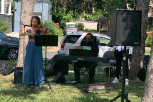 violinist and piano player at Juneteenth event